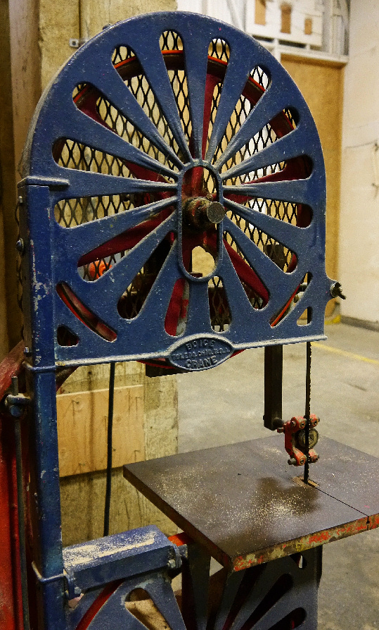Jack's bandsaw was built in the 1920s. It's simply beautiful.